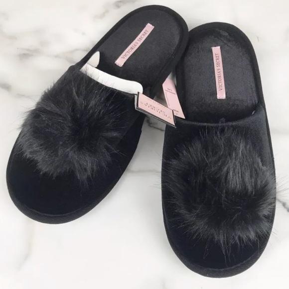 d5a144ae60435 NEW Victoria's Secret Black Pom Pom Slippers NWT